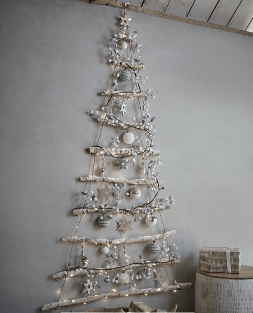 Hanging_Christmas_Tree_Large