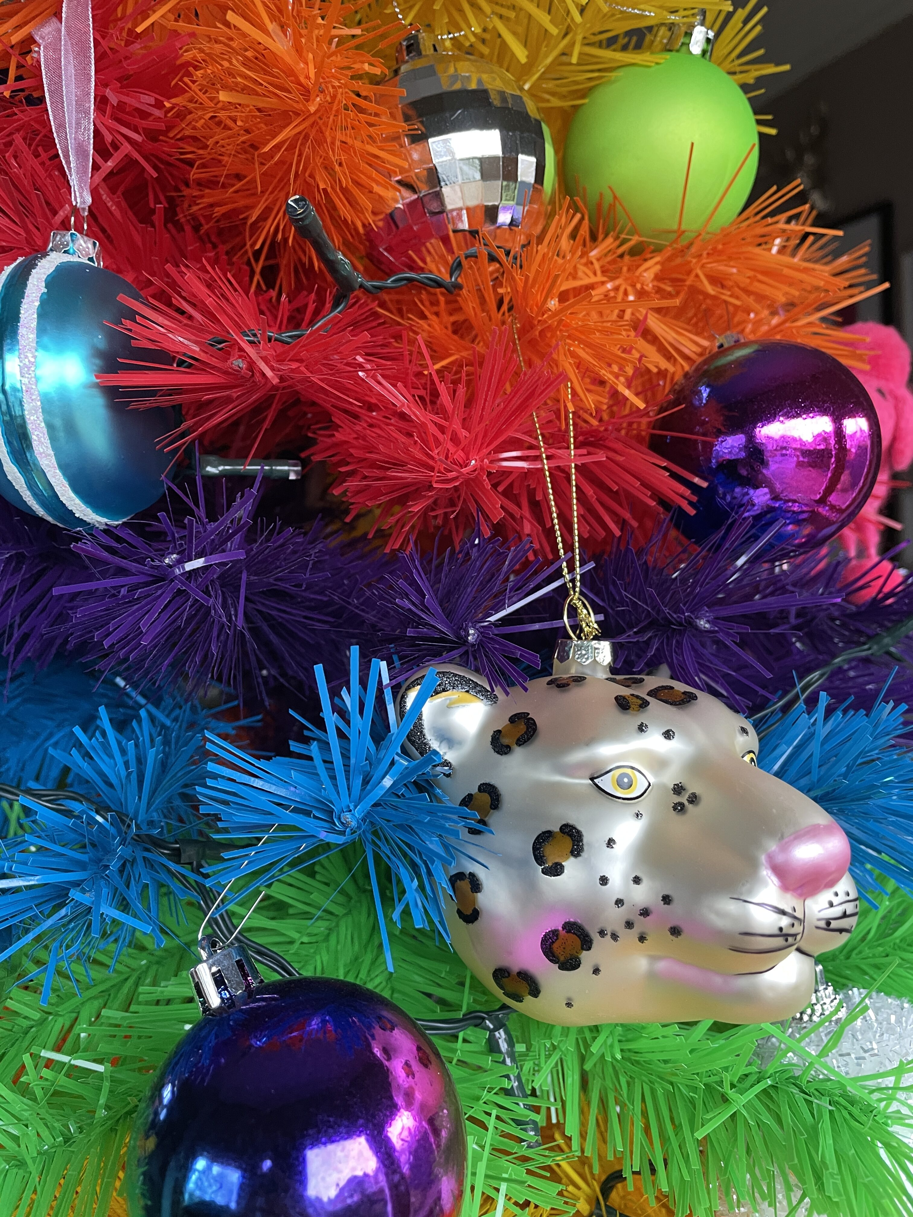 leopard-christmas-bauble