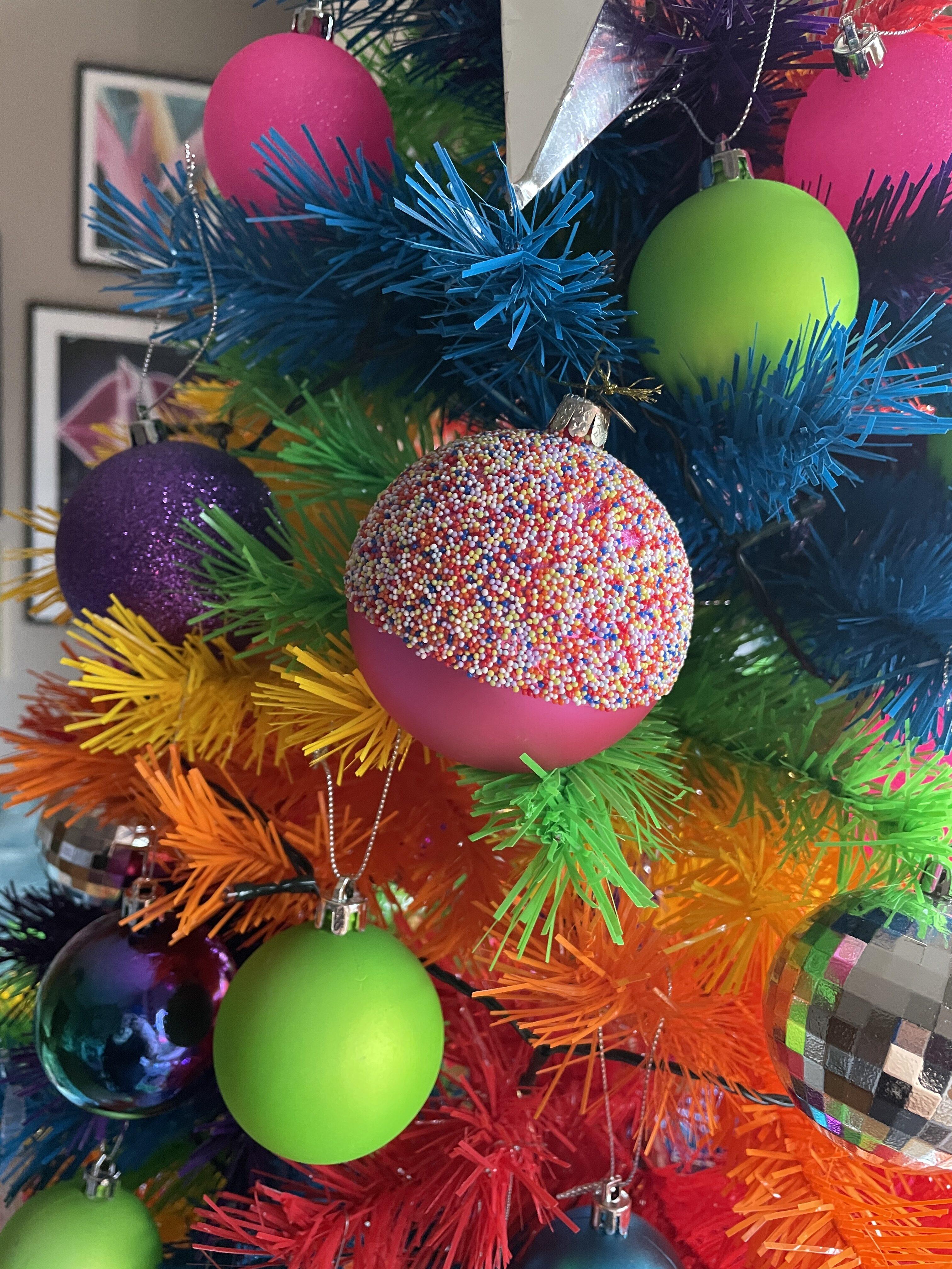 pink-sprinkles-tree-decoration